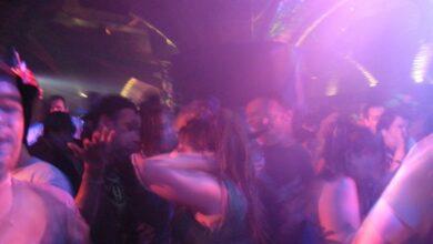 """Sanitarios advierten del riesgo en las discotecas: """"Se baja la guardia"""""""