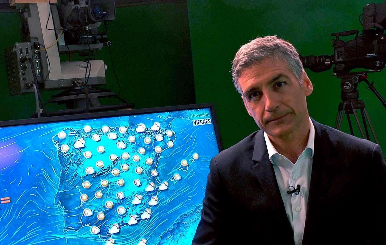 El meteorólogo Albert Barniol en Torrespaña