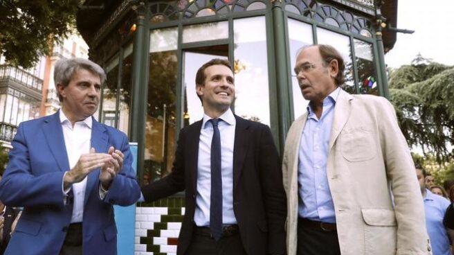 Ángel Garrido y García Escudero en una imagen de archivo junto a Pablo Casado
