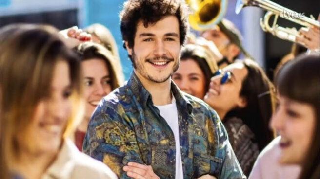 Miki en el videoclip de 'La Venda'.