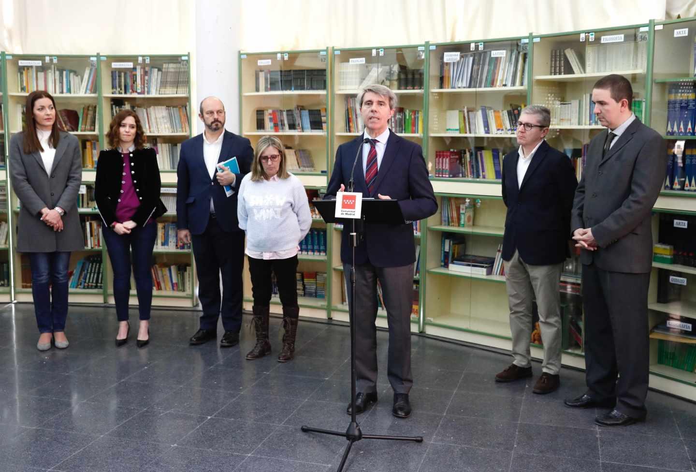 Acto del presidente de la Comunidad de Madrid, Ángel Garrido, con la presencia de la candidata regional del PP, Isabel Díaz Ayuso.