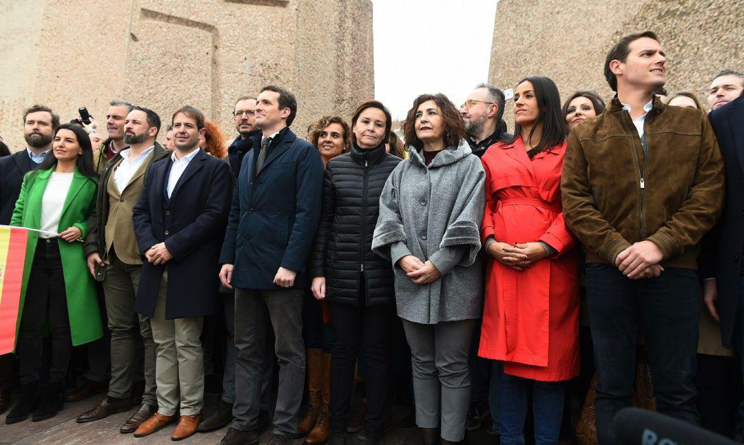 Santiago Abascal, Pablo Casado y Albert Rivera en la manifestación del pasado 10 de febrero en Colón