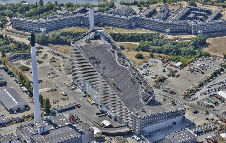 La mega instalación para la práctica del esquí cuenta con una superficie de unos 9.000 metros cuadrados.
