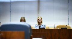 Una Cristina Cifuentes aislada se niega a declarar en la 'Comisión del Máster'