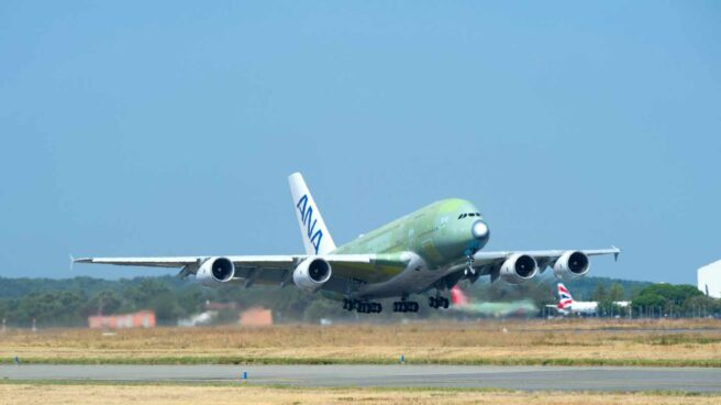 La cancelación del A380 afectará a entre 400 y 500 empleados de Airbus en España.