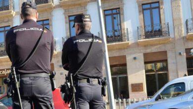 La Policía manda a La Línea a agentes de una base de Madrid en la que hay un caso positivo