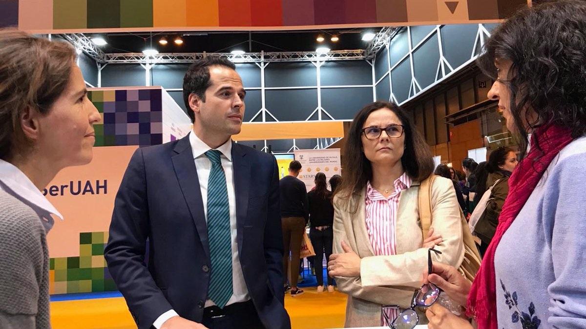 Ignacio Aguado, junto a Eva Bailén en AULA.