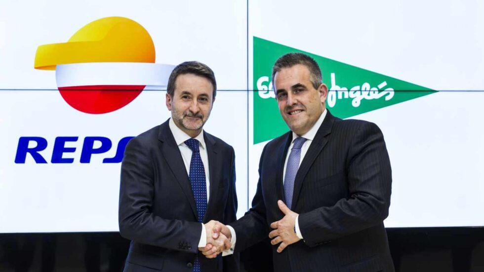 El consejero delegado de Repsol, Josu Jon Imaz, y el consejero delegado de El Corte Inglés, Víctor del Pozo.