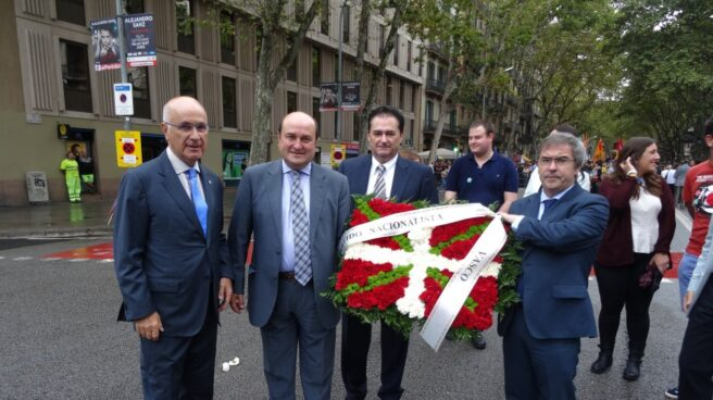 Josep Antoni Duran i Lleida, junto a dirigentes del PNV, en la 'Diada' de 2015.