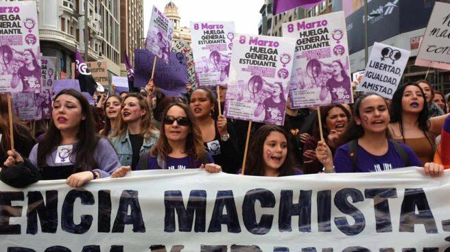 Huelga 8-M: manifestación de estudiantes en la Gran Vía (Madrid)
