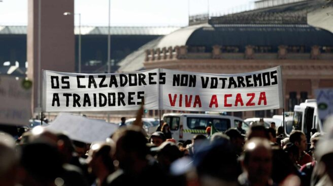 """PP, Vox, Cs y Podemos coinciden en una manifestación del mundo rural contra el """"acoso animalista"""""""