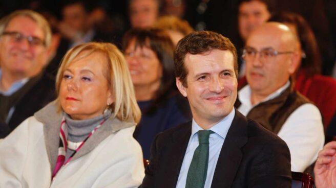 Mercedes Fernández y Pablo Casado, durante un acto del Partido Popular.