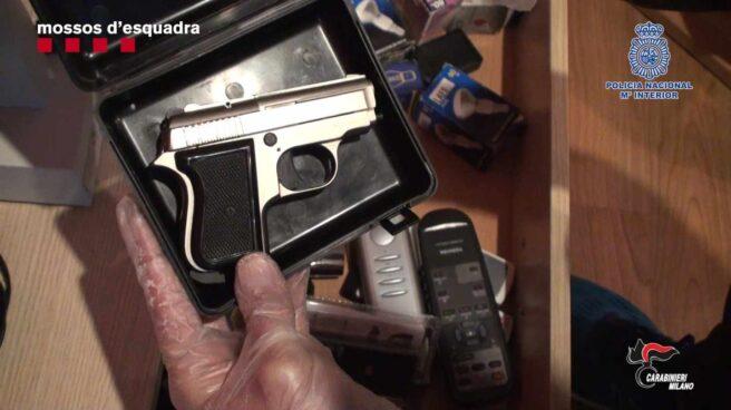 Arma requisada por los Mossos.