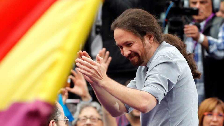 Pablo Iglesias saluda a Pablo Echenique.