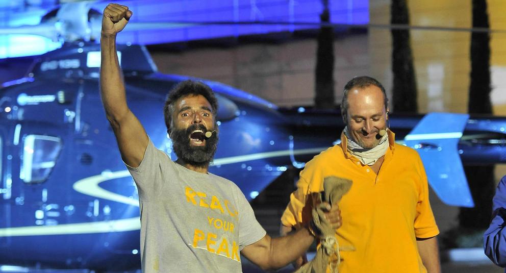 Rafa Lomana (izquierda), durante su participación en Supervivientes.