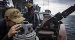 Tripulantes del USS Carney, en misión de patrulla.