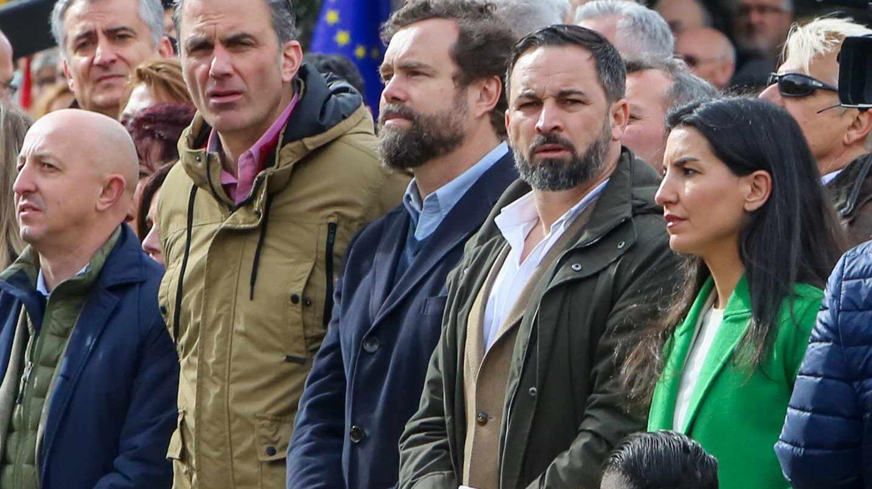 Santiago Abascal y el resto de líderes de Vox, en la plaza de Colón.