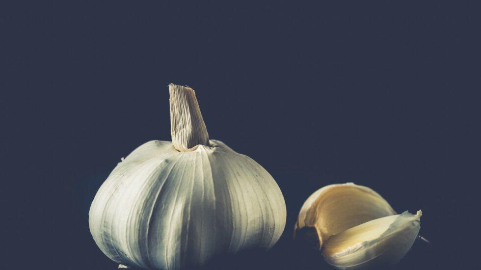 Un estudio apunta a que comer ajo puede mejorar la memoria conforme avanza la edad.