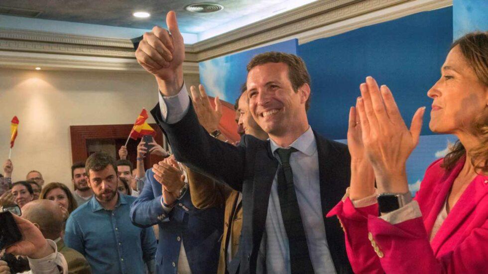 El presidente del PP, Pablo Casado, participa en un acto de campaña acompañado de la candidata número uno del PP de Ciudad Real al Congreso, Rosa Romero