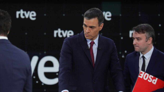Debate en RTVE: Pedro Sánchez e Iván Redondo.