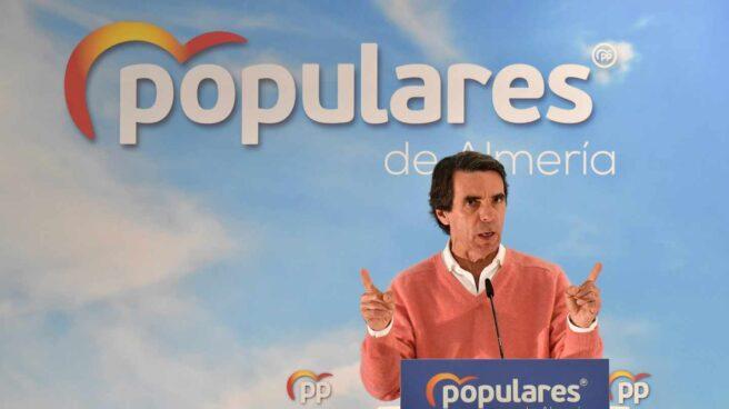 El expresidente del Gobierno, José María Aznar (PP), durante una intervención en un acto con militantes celebrado en el municipio de El Ejido