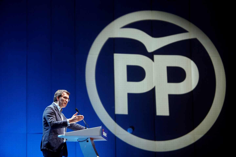 Núñez Feijóo durante un acto electoral de su partido
