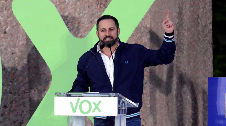 El líder de Vox, Santiago Abascal, durante el mitin de cierre de campaña en Colón.