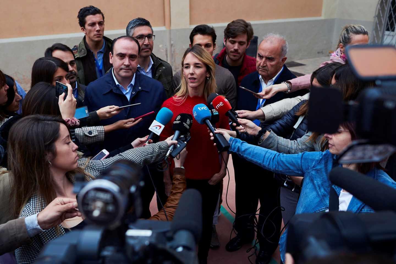 La cabeza de lista del PP al Congreso por Barcelona, Cayetana Álvarez de Toledo, en la jornada electoral del 28-A.