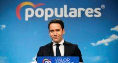 """El PP descarta la dimisión de Casado y le reafirma como """"líder de la oposición"""""""