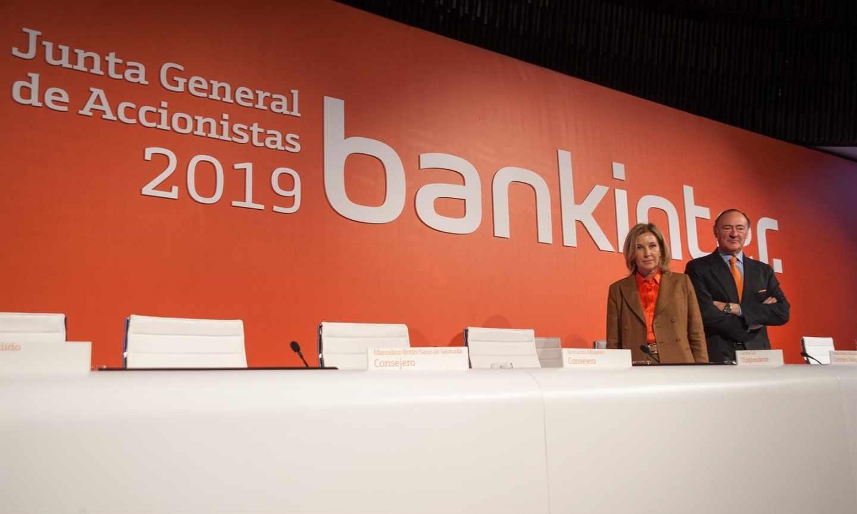 María Dolores Dancausa, consejera delegada, y Pedro Guerrero, presidente de Bankinter.
