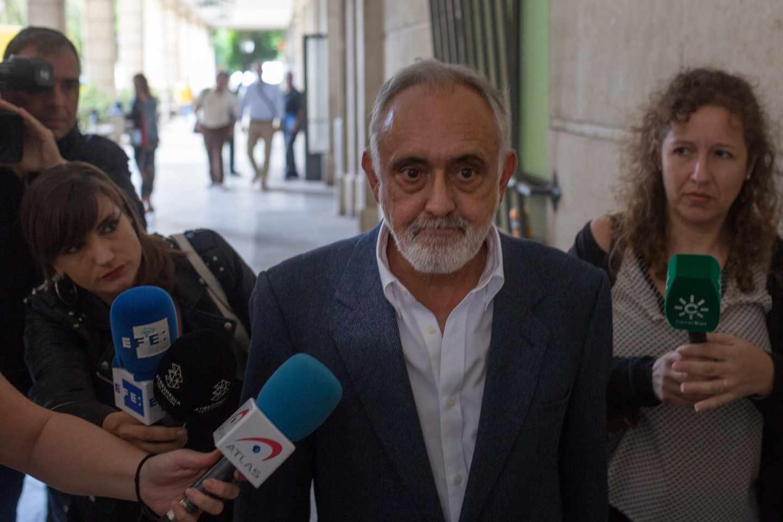 Fernando Villén, ex director general de la Faffe, tras declarar en el juzgado en octubre de 2018.