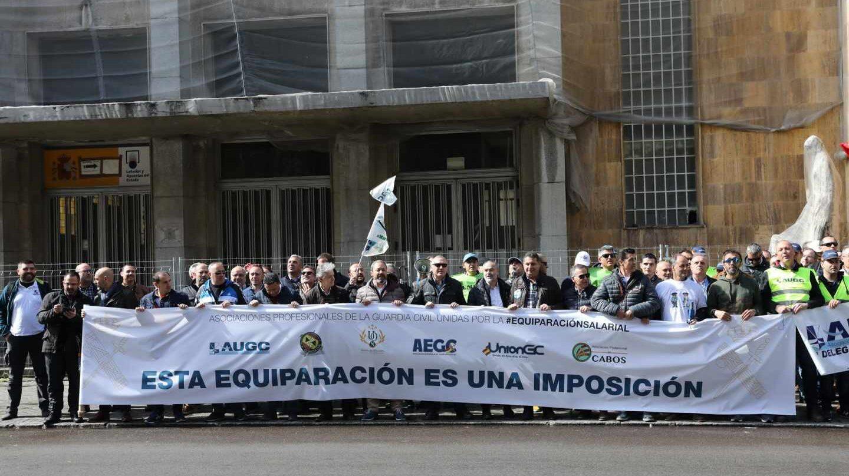 Guardias civiles protestan por la equiparación salarial de 2019