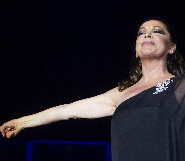 Isabel Pantoja pone fecha a su reaparición y vuelta a los escenarios