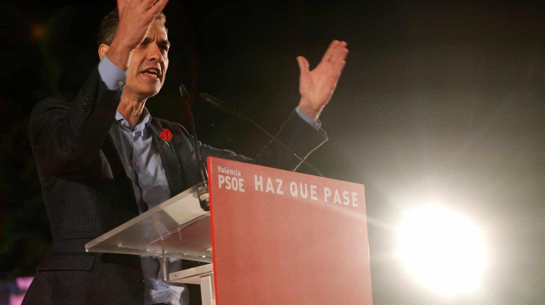 El presidente del Gobierno, Pedro Sánchez, interviene en el acto de cierre de la campaña del PSOE para las elecciones generales y las autonómicas valencianas del 28 de abril en el Parque Central de Valencia.