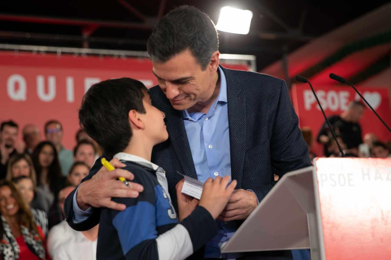 Pedro Sánchez, en el arranque de campaña en Dos Hermanas.