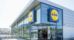 Lidl agota en tres horas sus zapatillas con los colores del supermercado