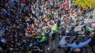 Escrache a Cayetana Álvarez de Toledo en un acto en la Autónoma de Barcelona