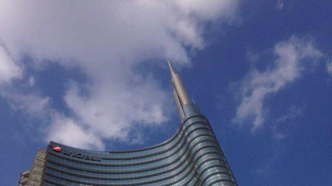 Sede de Unicredit en Milán.