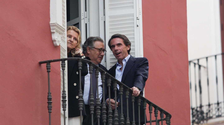 Aznar, junto al ex ministro Zoido.
