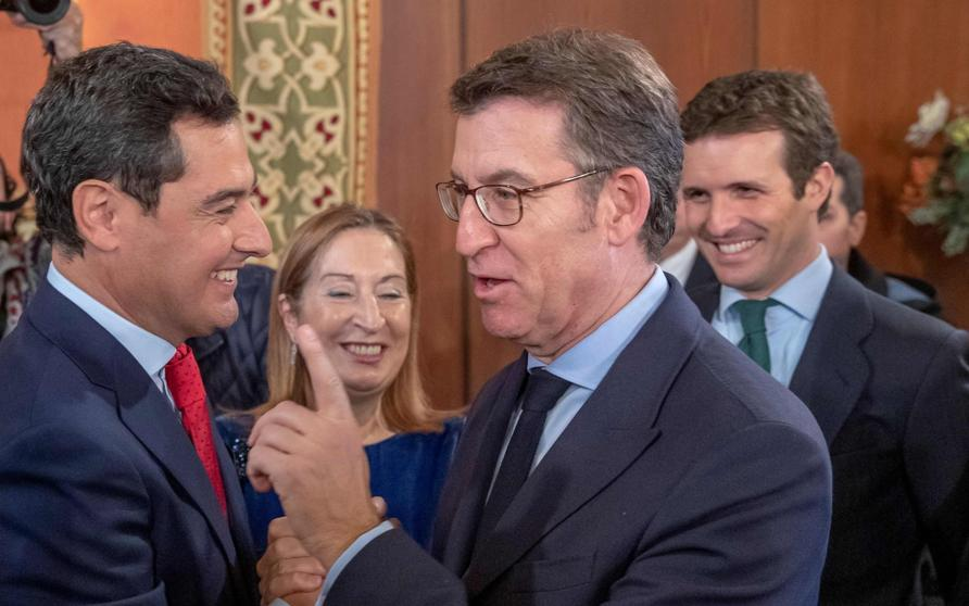 Casado junto a Moreno, Feijóo y Pastor en la toma de posesión del segundo como presidente de la Junta de Andalucía