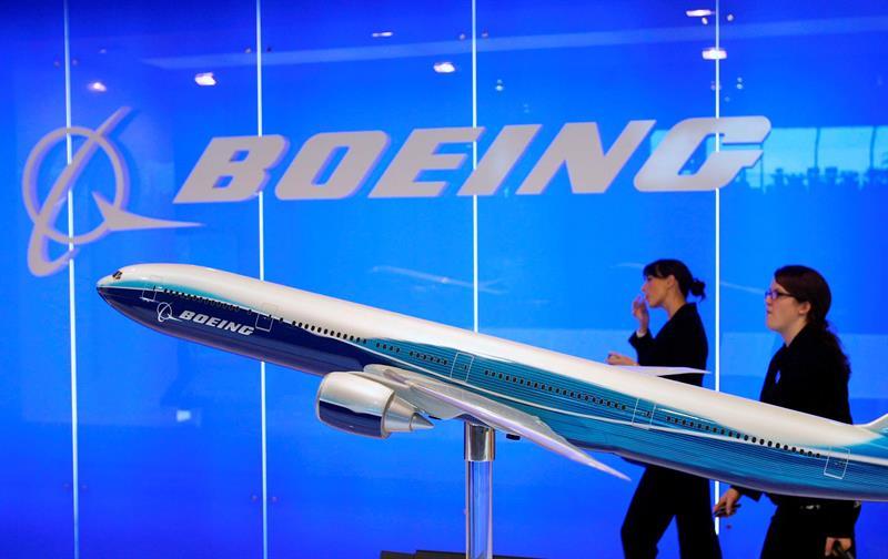 Una maqueta de un avión de Boeing.