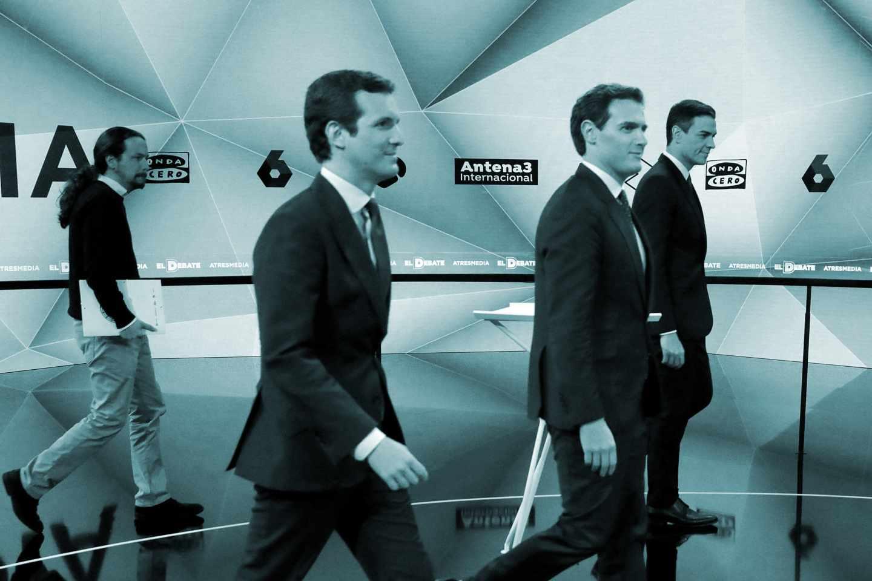 Los candidatos a presidir el Gobierno de España tras las elecciones generales, Pablo Iglesias (Unidas Podemos) (i); Pablo Casado (PP) (2i); Albert Rivera (Cs) (2d) y Pedro Sánchez (PSOE) antes del inicio del segundo debate electoral a cuatro de los candidatos a presidir el Gobierno de España tras las elecciones generales, este martes en la sede de Atresmedia, en Madrid.