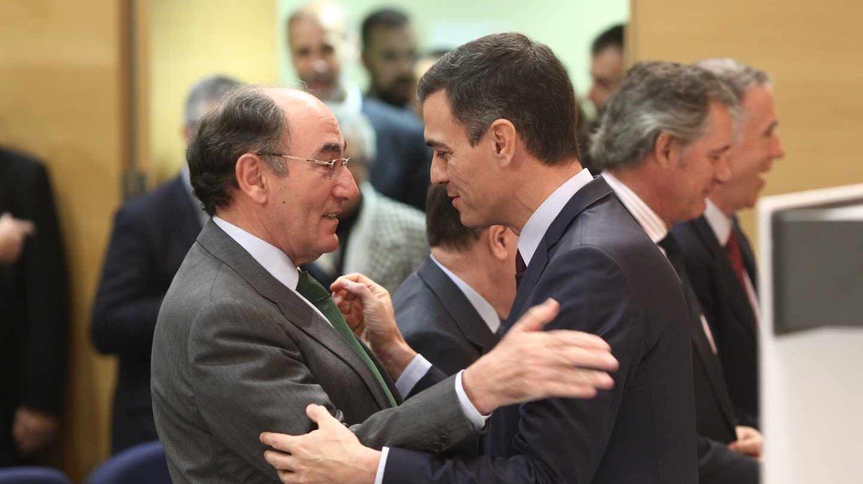 Las eléctricas temen una alianza entre Sánchez e Iglesias y sufren en bolsa.