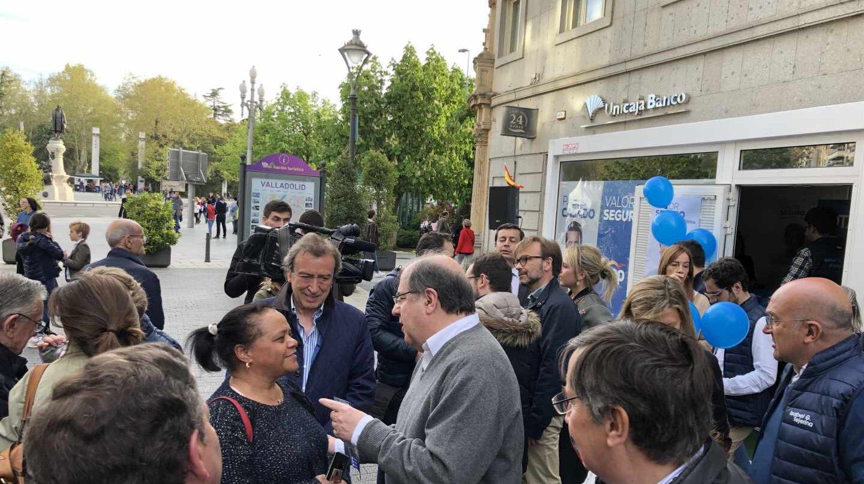 Juan Vicente Herrera, presidente saliente de Castilla y León, hace campaña por Valladolid.