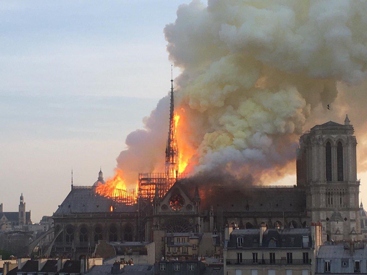 Guirao anuncia, tras el incendio en Notre-Dame, que se revisarán los monumentos españoles