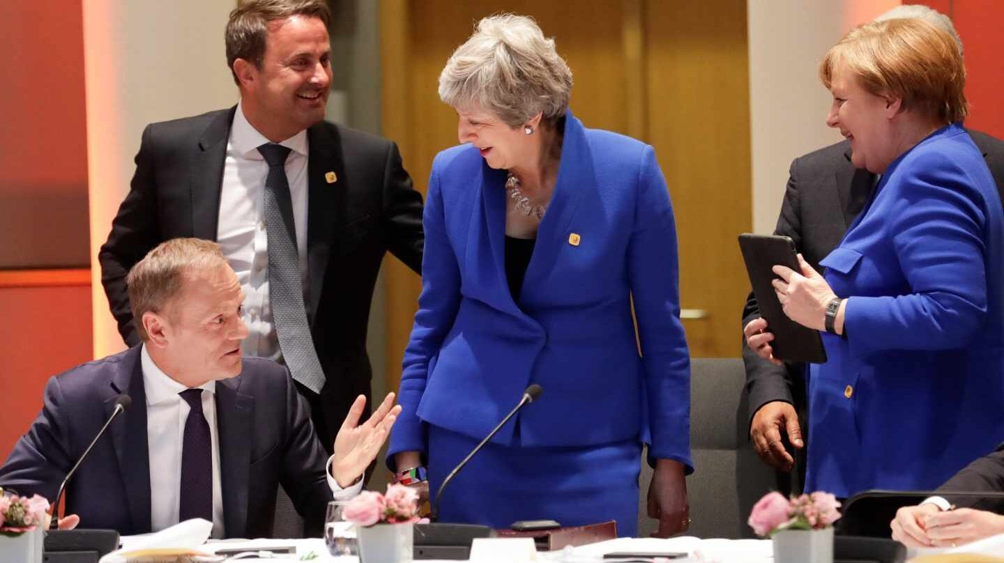 Angela Merkel, Xavier Bettel (2i), Theresa May (2d) y Donald Tusk (i).