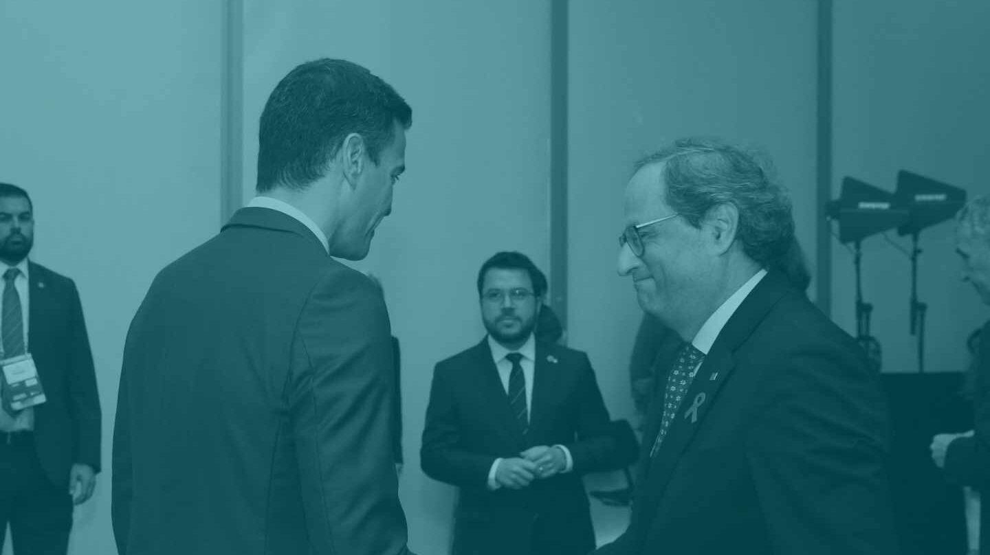 Pedro Sánchez saluda a Quim Torra.