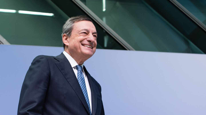 Draghi 'regala' a España un ahorro adicional de 320 millones en los costes de la deuda.
