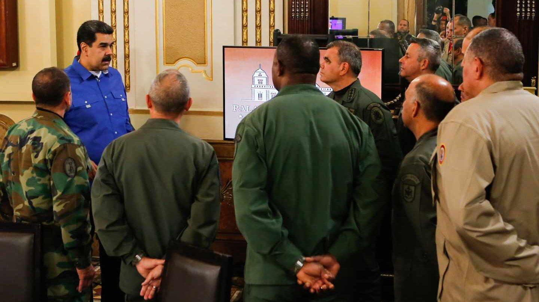 Maduro, con los jefes militares en Miraflores.