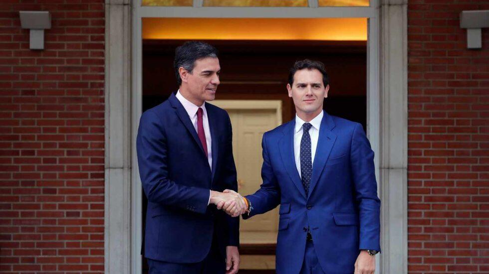 Reunión de Pedro Sánchez con Albert Rivera en Moncloa.